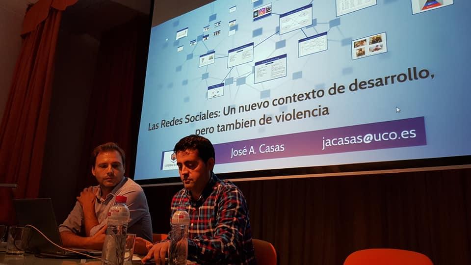 D. José Antonio Casas, miembro de LAECOVI y profesor del Dpto. de Psicología de la UCO; y D. José M. Martín Criado coordinador del Gabinete de Convivencia e Igualdad